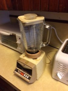 Letting Go of Stuff - Old blender that still works